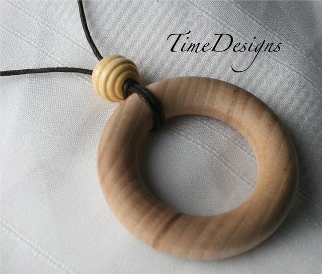 Maple Wooden Teething and Nursing Necklace--HONEYCOMB--3 Color Choices