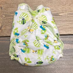 Bugs /w green organic bamboo velour - newborn