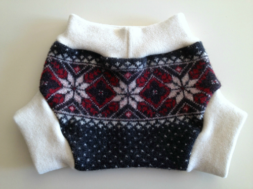 Small Patterned Recycled Wool Soaker with Interlock