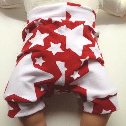 6-12 months -- Cotton Red Star Shorties - Medium.