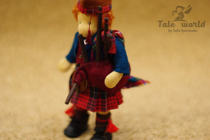 Scottish boy Waldorf doll 6 inches with bagpipe and sporran
