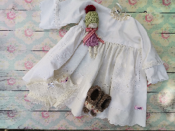 "Pyjama set for 18"" to 21"" doll"