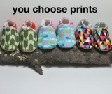 Super cozy BABY BOOTIES. You choose prints
